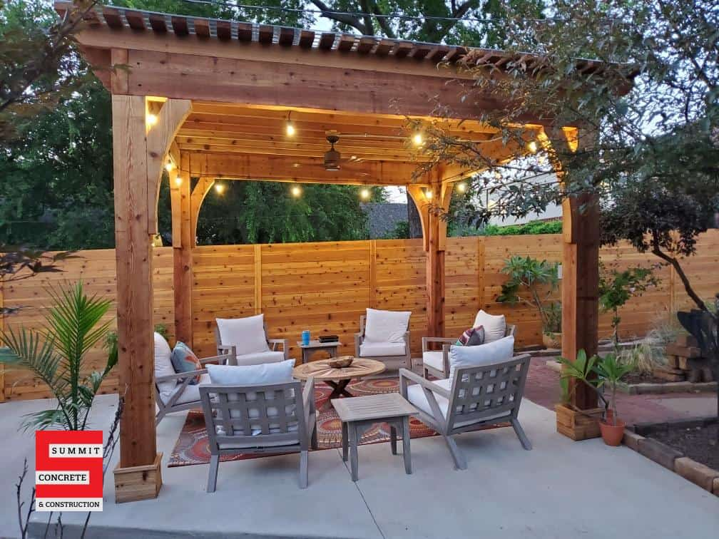 Beautiful wood pergola in Tulsa with fencing and concrete IMG 6341